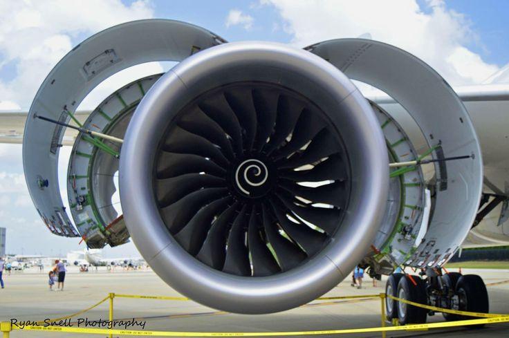 Boeing 787-10 Rolls Royce Trent 1000 engine.