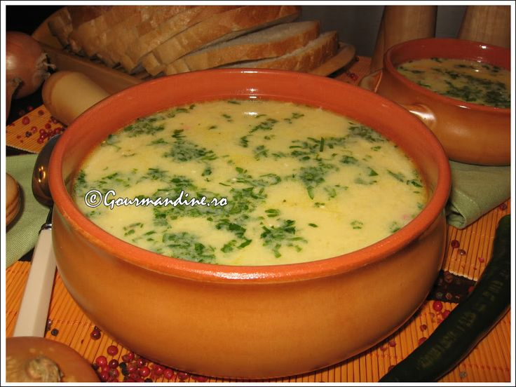 Ciorba radauteana - chicken soup with garlic and sour cream
