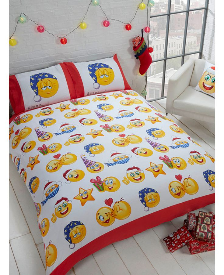 This Emoji Icons Christmas single duvet cover set features your favourite Emojis with a fun Christmas twist! Free delivery available