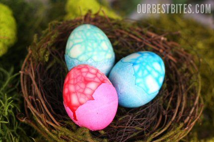 """Baby dinosaur"" Easter egg how-to. If you can dye an egg, you can make these. These are super easy to do but come out with an awesome look!"