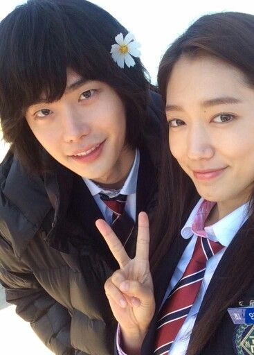 Dorama Pinocchio Lee jong suk , this hair style , pleaase not .It is horrible but you are still great XDXD