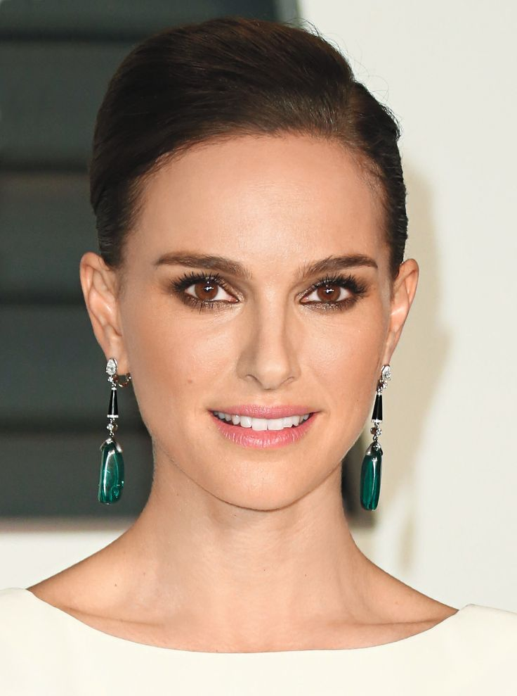 Beauty Talk: Natalie Portman Reveals Her Hair and Makeup Secrets—and 6 Must-Have Products from #InStyle
