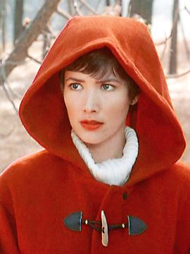 Janine Turner (Maggie O'Conell) from Northern Exposure. I think she was the person who made me want short hair.