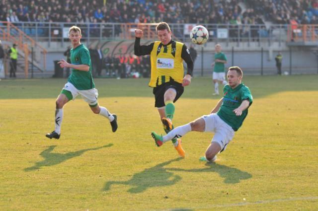 Siarka Tarnobrzeg wygrała 3-0 ze Stalą Stalowa Wola w rozegranym dziś przedsezonowym sparingu.