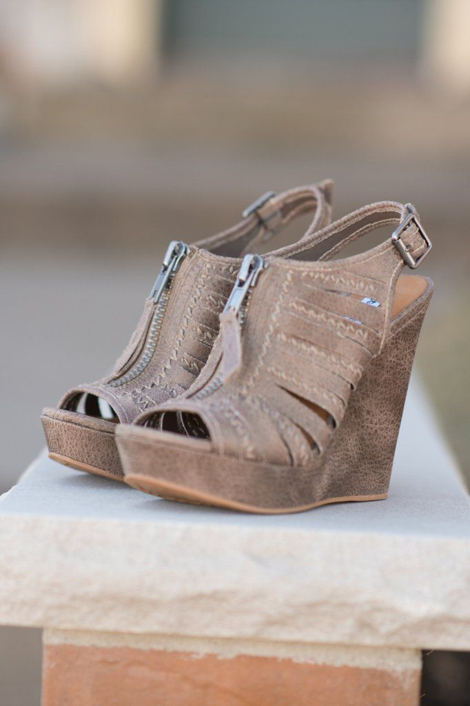 These adorable wedges pair with so many items! True to size.