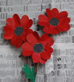 So here is a paper poppy based on an earlier project ..... Paper Sunflowers .   I think they make very nice Poppies for ...