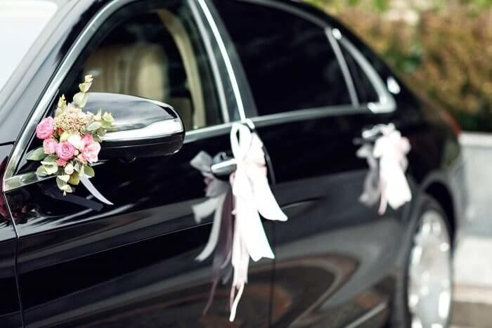 Car Decoration With Flowers For A Lovely Wedding In Berlin Made By