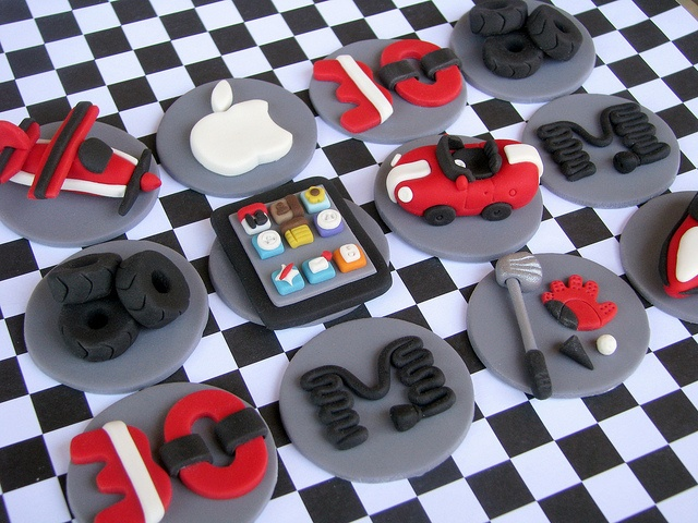 Tech Guy Cupcake Toppers by Lynlee's Petite Cakes, via Flickr