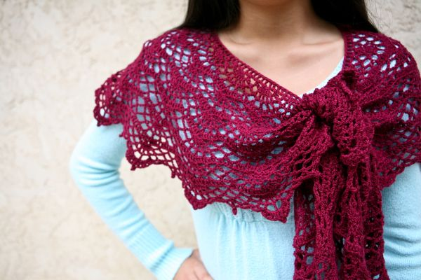 1000+ ideas about Crescent Shawl on Pinterest Knitted ...