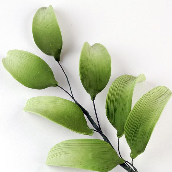 Gumpaste Leaves Sugarflowers are perfect compliments to gumpaste flowers & are perfect for cake decorating fondant cakes & wedding cakes. | CaljavaOnline.com #caljava #sugarflower #leaves