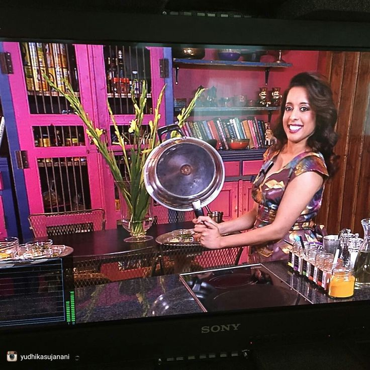 repost via Yudhika Sujanani Behind the scenes!  With @melasabc2 and hitting it out the ball park with AMC Cookware #yudhikayumyum #happydays #lifeisbeautiful #amcforlife #mela #behindthescenes #lovemylife #lovemyjob