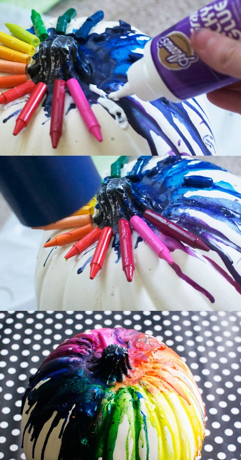 Melted crayon pumpkin. Cute way to decorate for Halloween!