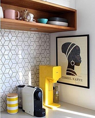 A little Thursday morning splash back inspro...Available De Fazio#tile #kitchen #splashback #inspiration #inspro #design #architecture #architecturemelbourne #melbourne #interior #exterior #stone #ceramics #mosaics #geometric #white #gloss #finishes #decoration #house #home