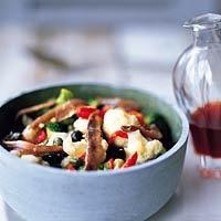Bloemkoolsalade met ansjovis (bij gegrilde kip of vis)