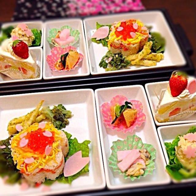 別アングルで(*^^*)  ・ノルウェーサーモンのチラシ寿司 ・姫筍の天ぷら ・タラの芽の天ぷら ・アサリの酢味噌和え ・大根の桜漬け ・ポテトサラダ ・筍の土佐煮 ・ハマグリのお吸い物 ・イチゴショートケーキ - 42件のもぐもぐ - チラシ寿司 by mikamimoza