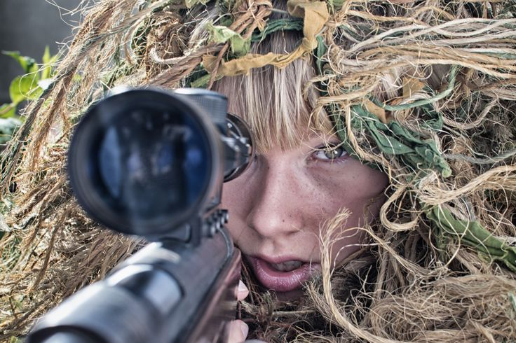 Sniper girl. Model: Monika Pajdo