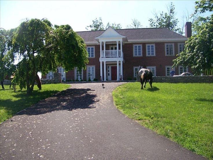 Fairyhouse hall quintessential kentucky bourbon horse