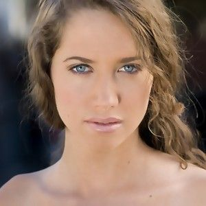 Maiara Walsh as Nisha