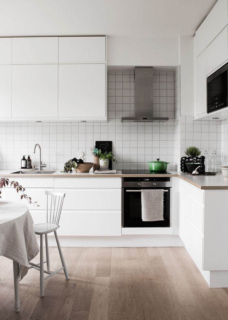Lovely Scandinavian family home / white and minimal  kitchen
