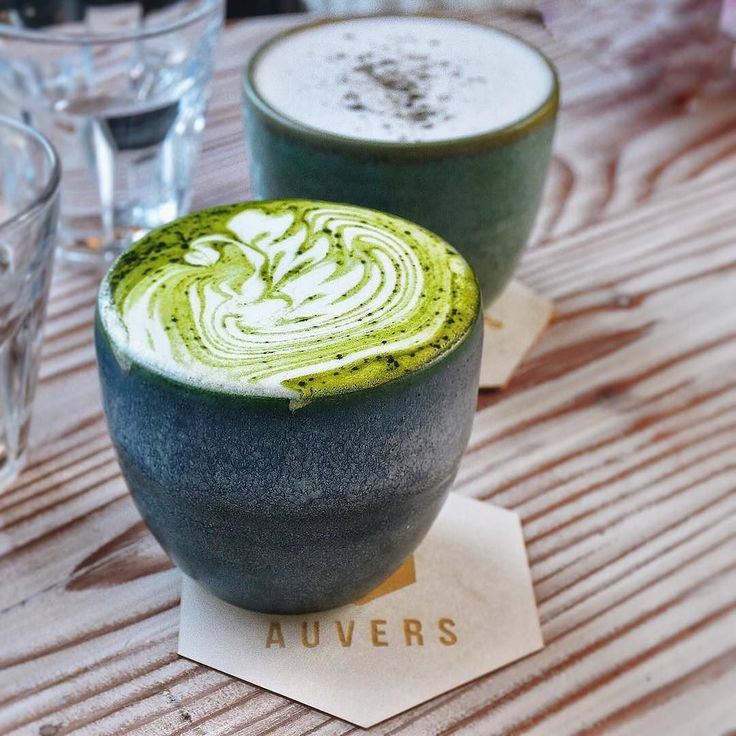 How pretty is this Matcha Latte?  Nice one by:  @nat_sweetdiary  . Want to create your own zen? Try our Ultra Premium Green Tea today. Link in bio!