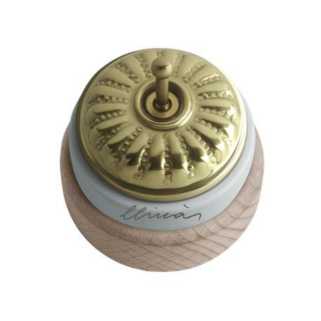 Comprar | Conmutador porcelana tapa grabado brillo y madera | Interruptores porcelana superficie #iluminacion #decoracion #accesorioslamparas #lamparas #handmade #vintage #interruptoresporcelana