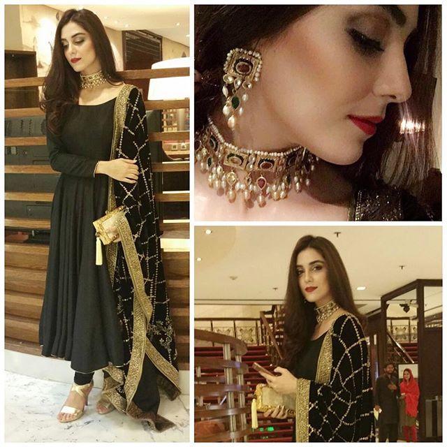 Black is my happy colour.. Thank u @mohsin.naveed.ranjha for this beaitifulllll dress n thank u @samreenvance for my favourite choker set... #blackismyfavorite #MNR #samreenvance #clutch @farahtalibazizdh #karachidiaries #aimanandmuneeb #engagement #mayaali