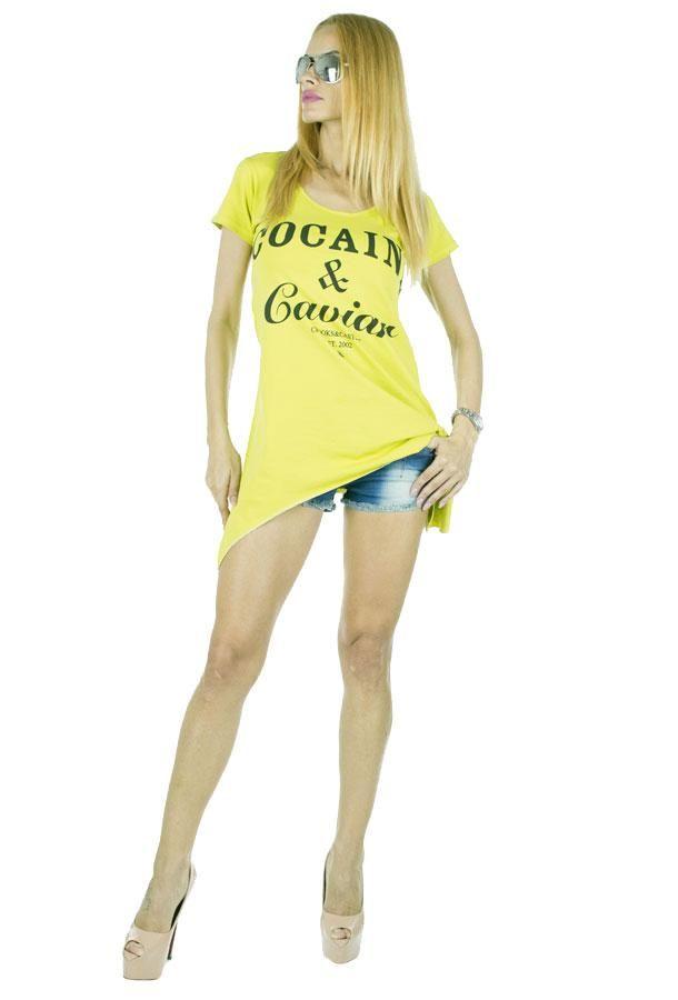 Tricou Dama Caviar Neon  -Tricou dama casual  -Model cu taietura asimetrica, ce cade lejer pe corp si poate fi purtat cu usurinta     Lungime:65cm  Lungime:85cm  Compozitie:100%Bumbac