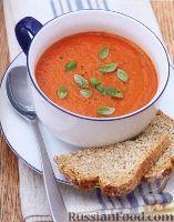 Фото к рецепту: Томатный суп-пюре с базиликом  Помидоры, консервированные без шкурки - 1,75 стакана  Томатная паста - 1 ст. л.  Базилик, листья свежие - 1/2 стакана  Масло оливковое экстра класса - 2 ст. л.  Лук репчатый (резаный) - 1 шт.  Бульон овощной - 1,25 стакана  Соус чили острый (hot) - 1 ч. л.  Соль - по вкусу