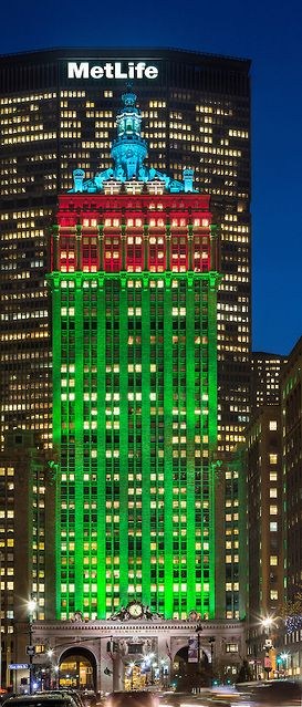 Architectural lighting design at The Helmsley Building on Park Avenue in NYC