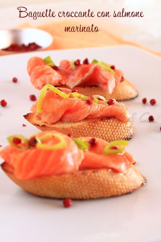 Baguette croccante con salmone marinato
