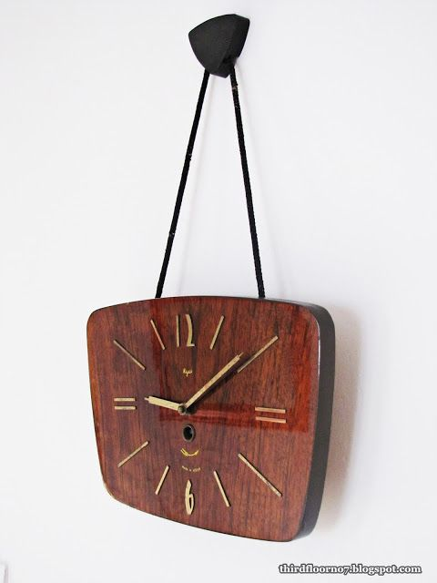 Trzecie piętro: Dizajnerski zegar z PRL-U