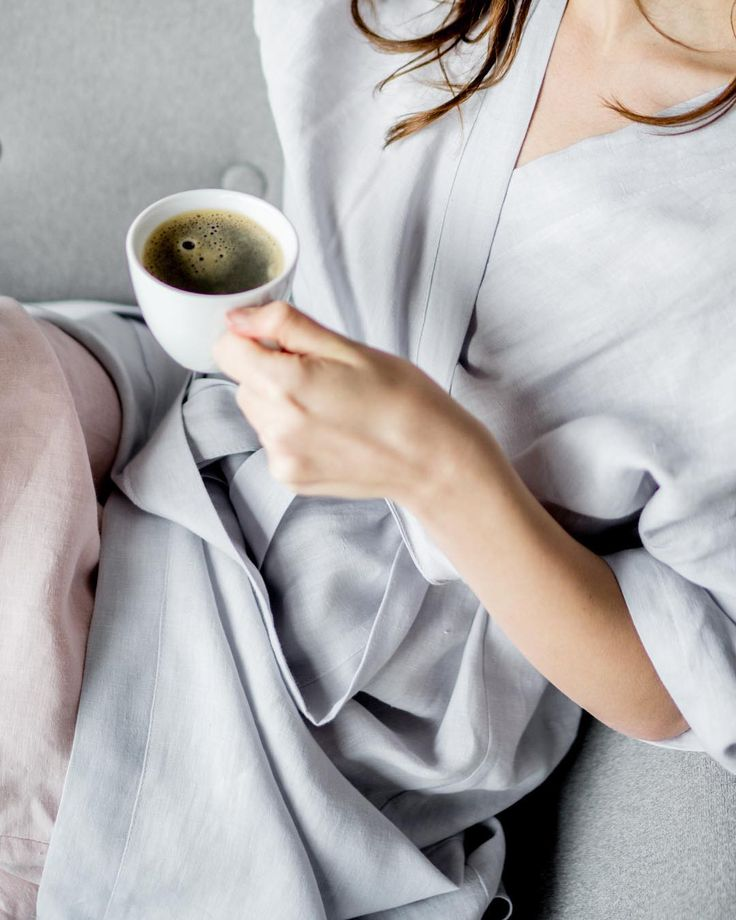 Bathrobe, made from pure and softened linen, will make each and every morning better. Even if you hate mornings!☕️  .  Link in bio  .  #back2linen #bathrobe #batchrobes #linen #linenbedding #morning #morningroutine #morningtea #morningglory #linenrobe #pink #natural #pure #l4l #design #bedroom #inspirationlook #lifestyle #frenchlinen #handmade #handmadefashion #etsy #etsyshop #etsyseller #etsyfinds #etsygifts #etsychristmas #christmasgift