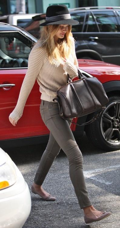 .Rosie Huntington Whiteley, Louis Vuitton, Casual Style, Street Style, Fall Winte, Fashion Hats, Fashion Fall, Style Fashion, Rosie Huntingtonwhiteley