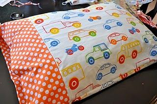 10-minute pillowcase diy. Hopefully this will be project #3 after I learn to use the machine this month. Pillow cases for everyone!!