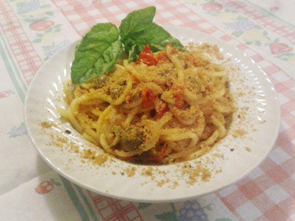 TROCCOLI ALLA POVERACCIA #poveraccia #pasta #troccoli #poveraccia #pomodoro #basilico #pangrattato #olive #cipolle #instafood #foodporn