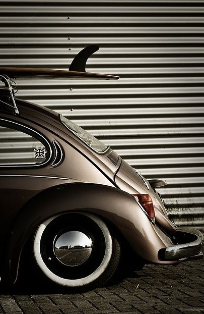 VW surf...what a fabulous shot!!