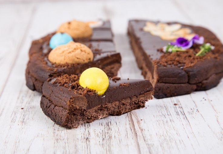 Ricetta Crostata al Cioccolato a Forma d'Uovo di Pasqua  Ricetta Crostata al Cioccolato a Forma d'Uovo di Pasqua  Ricetta Crostata al Cioccolato a Forma d'Uovo di Pasqua