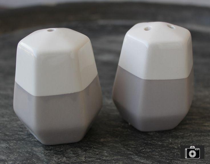 Salz und Pfefferstreuer Set Gewürzstreuer Salzstreuer Keramik Origami eckig