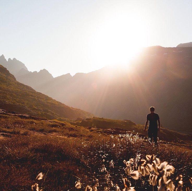 Tutti i più grandi pensieri sono concepiti mentre si cammina. (Friedrich Nietzsche) #trentinoslowtrek #livingtrentino #trentino #slowtrek #quotes #nietzsche