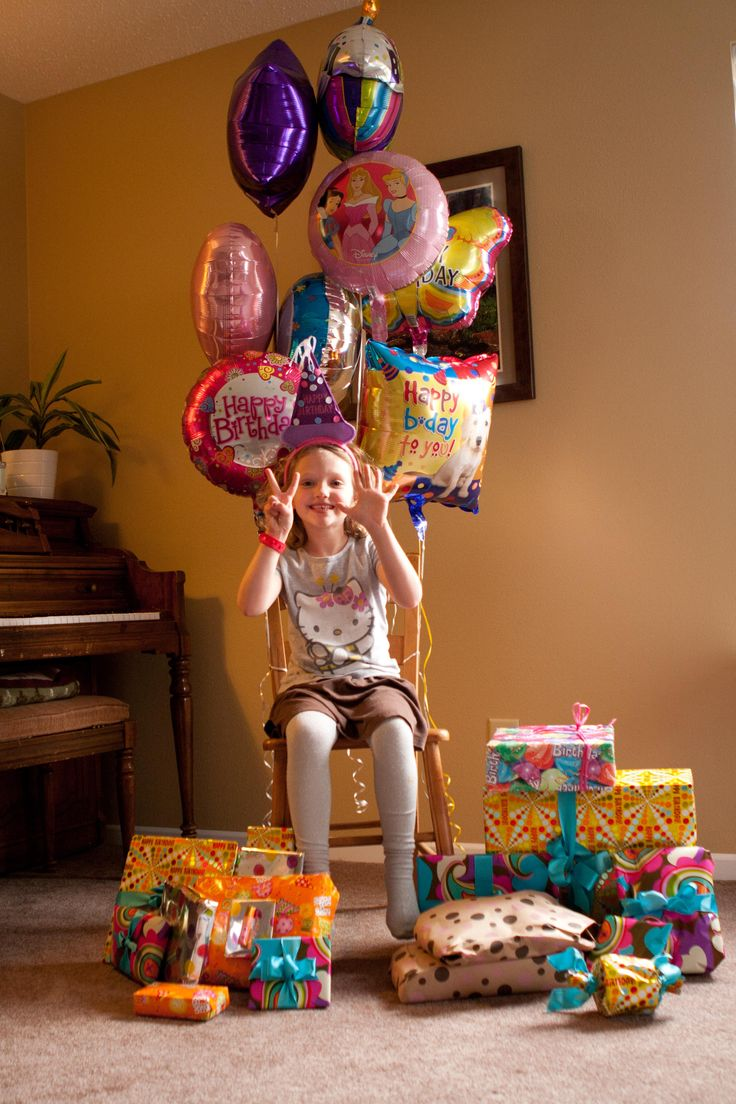 12 ways to keep a December birthday separate from Christmas...I've been thinking about this for Elliana.