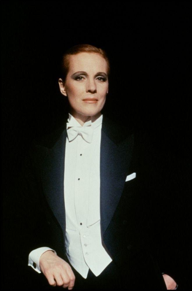"""Julie Andrews - """"Victor Victoria"""" (1982) - Costume designer : Patricia Norris"""