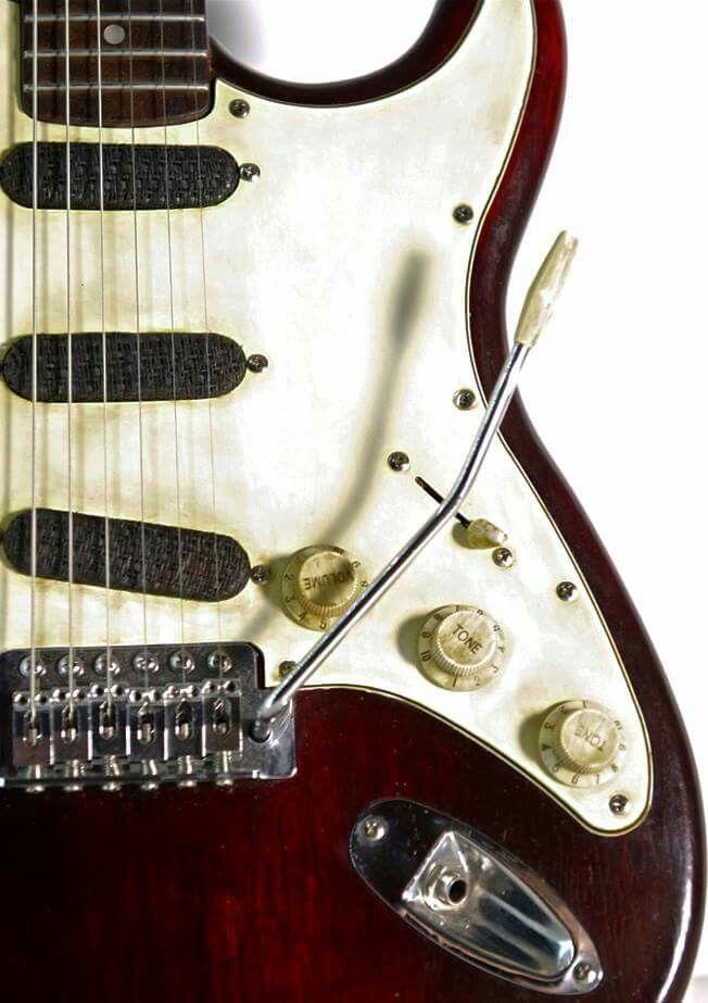 Stratocaster Sirocco model. Relic Finish. Colombani Guitares.