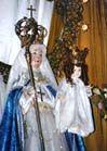Geschreven door Saint Louis-Marie Grignion de Montfort gemaakt: 17 December 2007 Er zijn mensen die bang zijn om de zoon dishonor door ter ere van de moeder, te vernederen van de ene in de andere verheffen. Ze kunnen niet dragen, dat we moeten toeschrijven aan onze dame de meest rechtvaardige lof die de heilige vaders hebben haar gegeven. Het is allen zij doen kunnen om te verdragen dat er meer mensen voor het altaar van de Heilige Maagd dan voor het Heilig Sacrament, alsof degene in tegenst