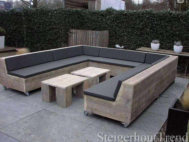 Mooie massieve loungeset. Verkrijgbaar in L- vorm of U- vorm. Maak de loungeset helemaal compleet met een bijpassende hocker.