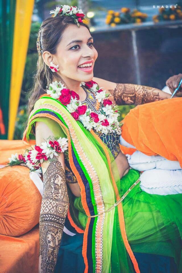 Mehndi day Floral jewellery, Fashion, Henna mehndi