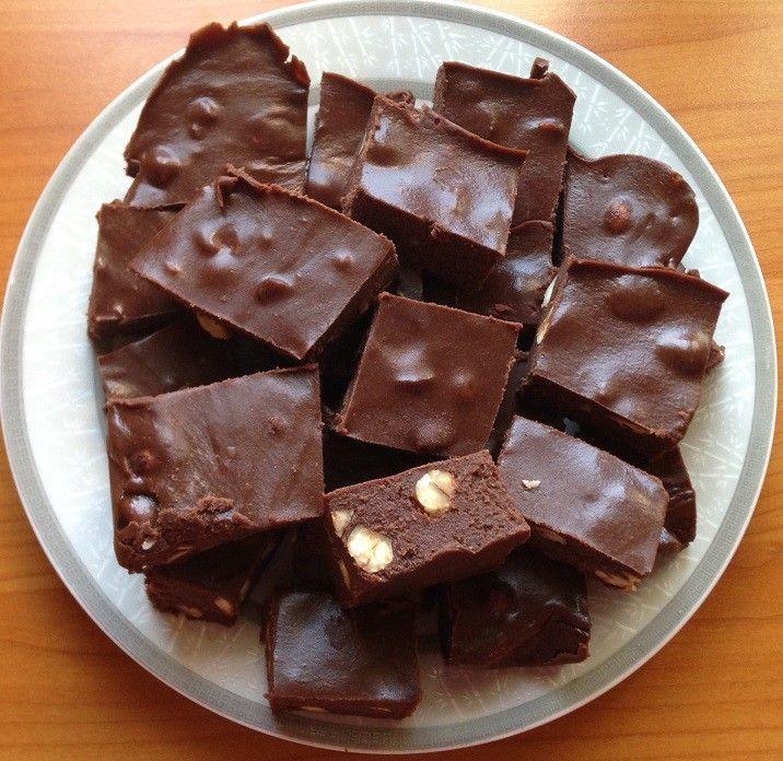 Rég óta nem láttam már a piros mogyorós nevű csokit az áruházakban, ezért inkább nekiláttam, és elkészítettem otthon :) De természetesen az igazi mogyorós csoki:…
