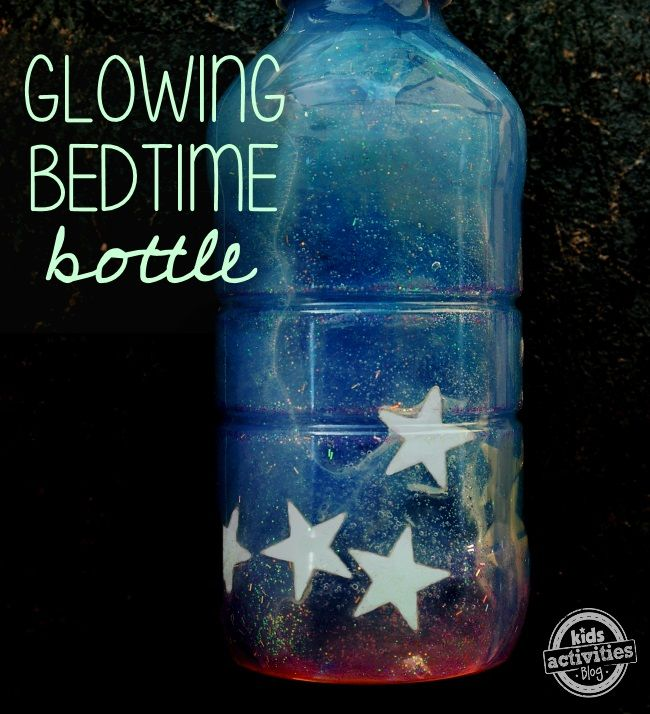 Kids having trouble calming down for sleep? Make a glow-in-the-dark bedtime sensory bottle. Hand the bottle to your child and ask them to count the stars!