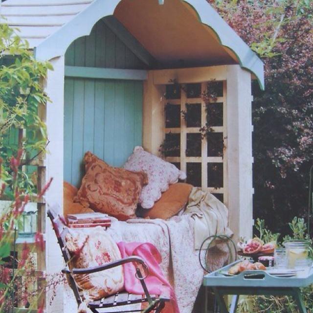 Garden Ideas for Mum on Pinterest   Summer House Interiors, Summer ...