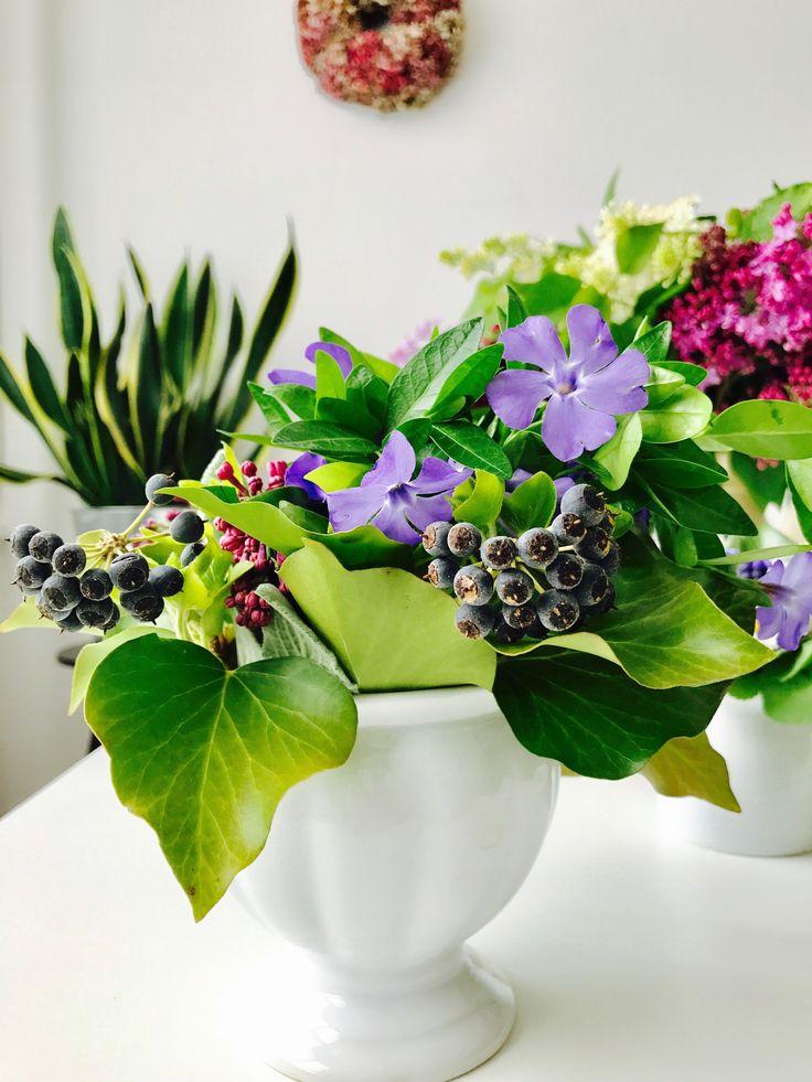 Ivy&Periwinkle vase