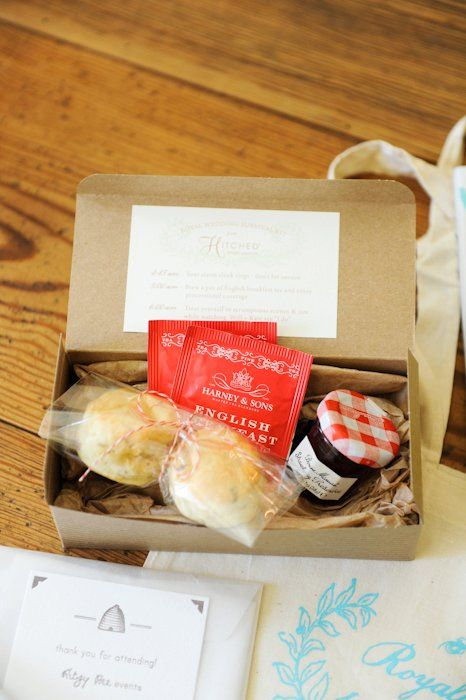 Amazing idea for a wedding favor or a party treat bag!